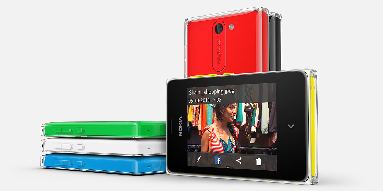 Nokia Asha 502 Overall View