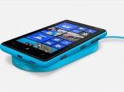 Nokia Lumia 820 Side View
